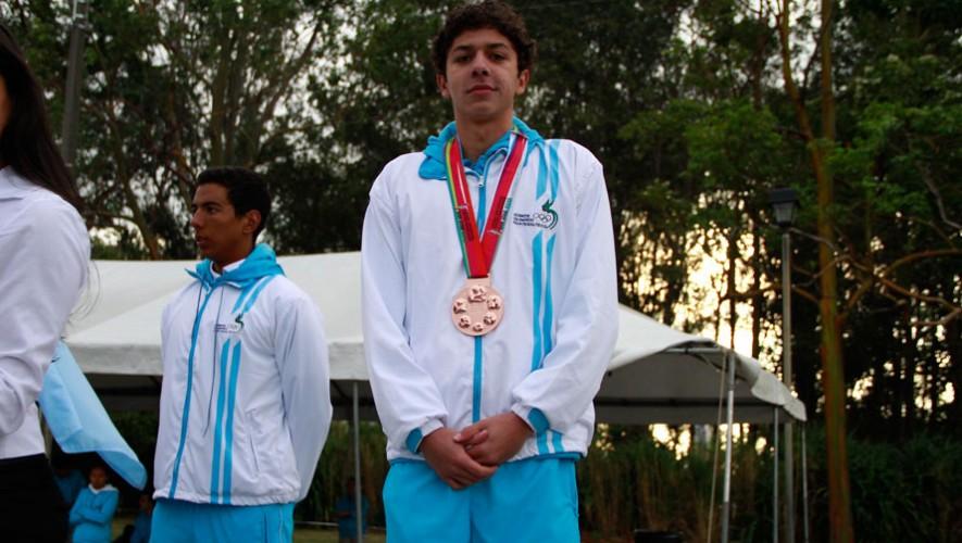 Luis Martínez, nadador guatemalteco