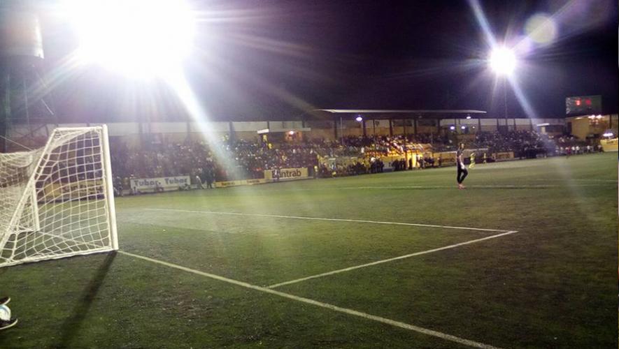 Partido de Petapa vs Mictlán, por el Torneo Apertura   Julio 2016