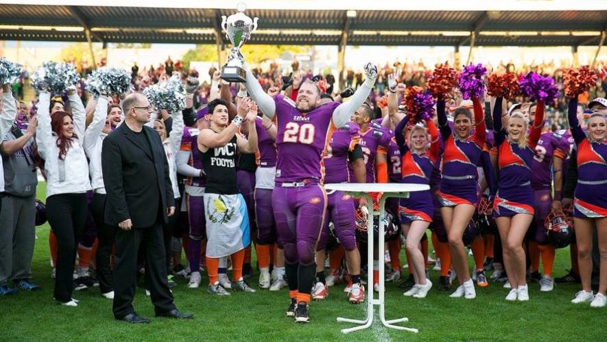 Con su actual equipo logró ascender a la primera división de Alemania. (Foto: Facebook David Girón)