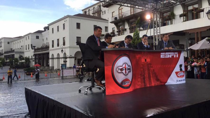 Durante el programa hablaron de la selección de Guatemala y su camino al Mundial. (Foto: Fuera de Juego)