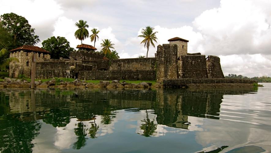 Aunque fue destruido varias veces, el Castillo de San Felipe de Lara aún mantiene su belleza. (Foto: Mickaël T.)