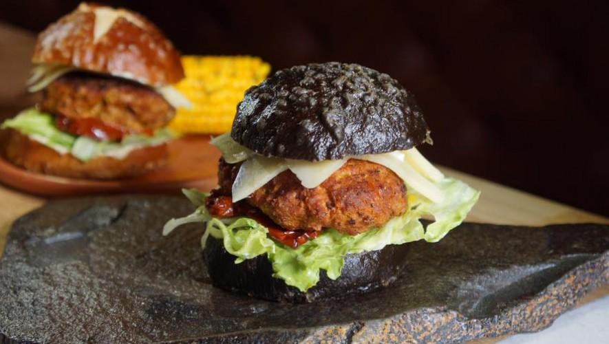 ¡Prueba las hamburguesas negras de Flor de lis! | Agosto 2016