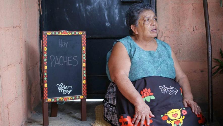 Doña Mary es una señora que vende comida típica en Mixco. (Foto: The Real Briefing Project)