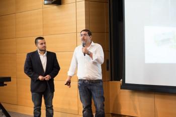 Tulio Castillo (izquierda) y Jaime Vergas (derecha) durante la presentación final de la idea de negocio. (Foto: Cortesía Tulio Castillo)