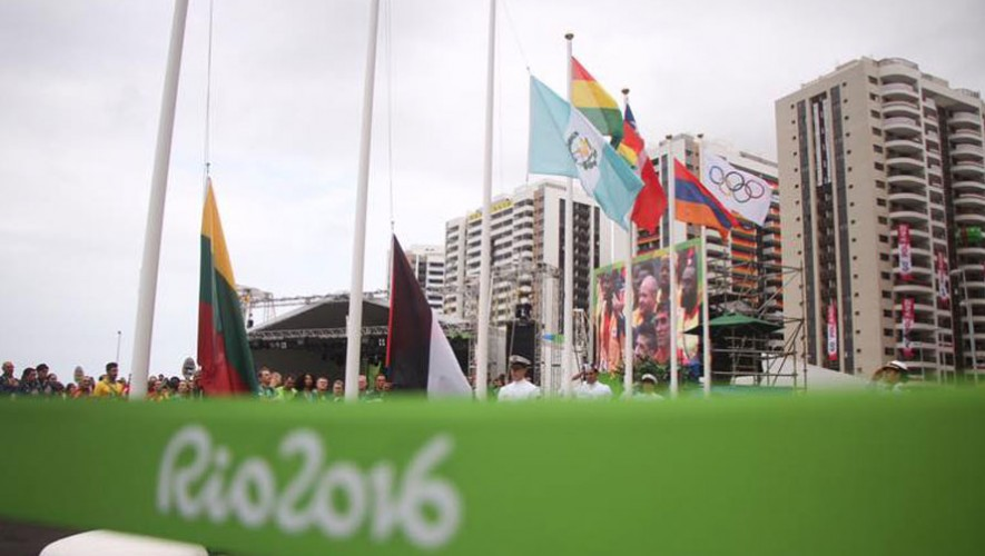 Bandera de Guatemala en Villa Olímpica
