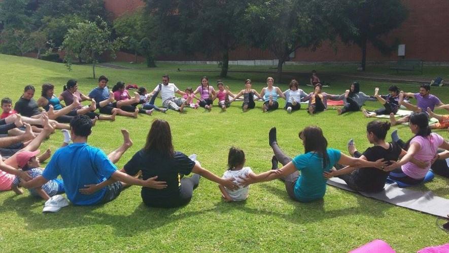 Clase familiar de Yoga al Aire Libre en Museo Miraflores | Septiembre 2016