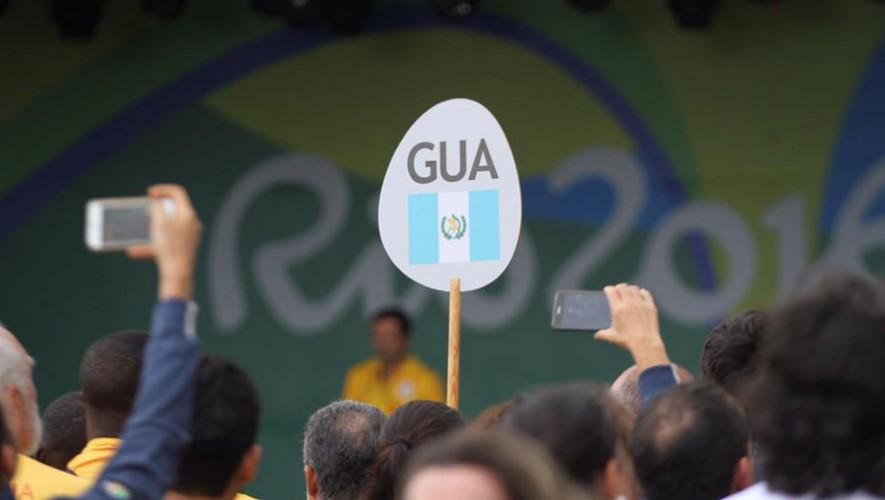 Izamiento de Banderas Guatemala