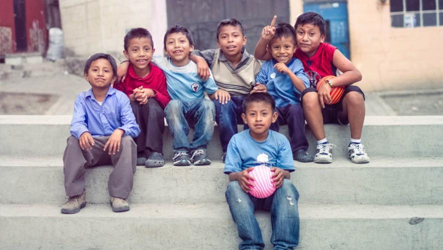 Descubre todas las actividades benéficas que puedes hacer por el Día del Niño en Guatemala. (Foto: Braeden Petruk)
