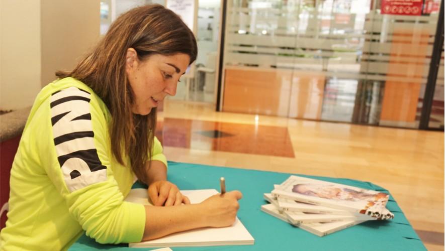 De martes a domingo podrás adquirir tu libro autografíado por Bárbara Padilla. (Foto: Cortesía Bárbara Padilla)