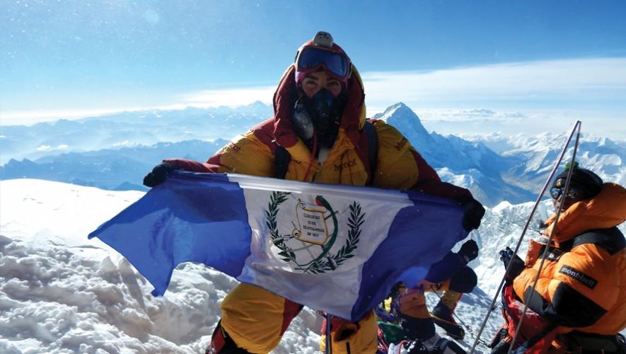 La alpinista guatemalteca que conquistó el Everest lanzó su libro Pasos de Gigante. (Foto: Cortesía Bárbara Padilla)