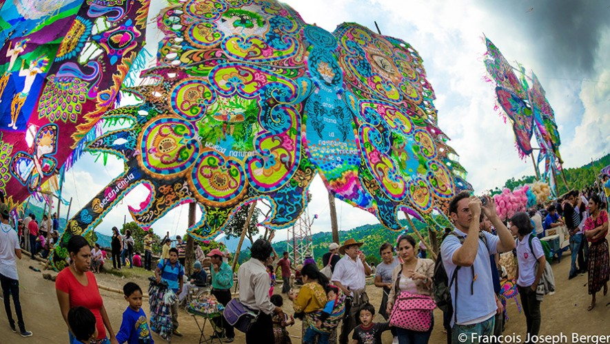 Festival de Barriletes Gigantes en Santiago Sacatepéquez   Noviembre 2016