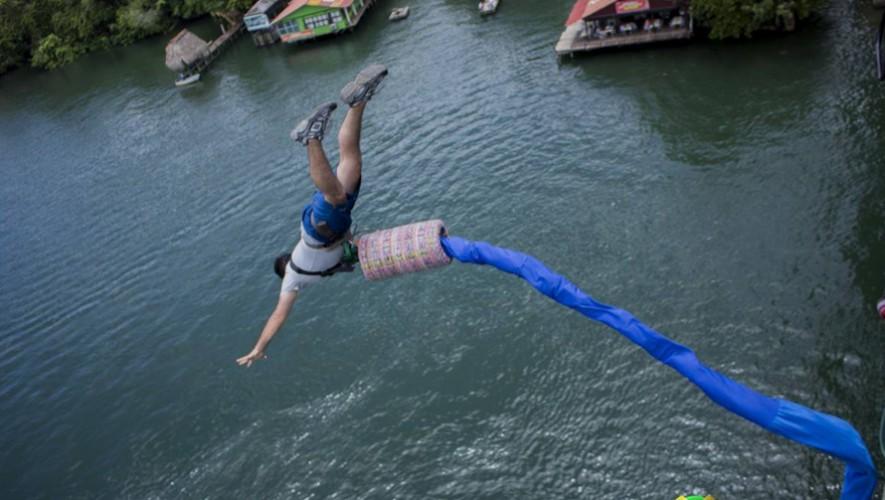 Saltos en Bungee en el Puente de Río Dulce Izabal | Septiembre 2016
