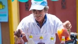 Israel Ramírez, vendedor de granizadas en Amatitlán. (Foto: therealbriefingproject)