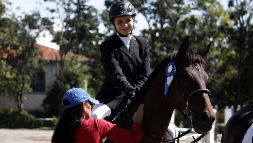 Helen apunta para ser la campeona de este año en la Prueba Completa de ecuestre. (Foto: Prensa ANEG)