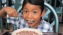 Entérate en dónde pueden comer gratis tus hijos por el Día del Niño en Guatemala. (Foto: Operation Blessing International)