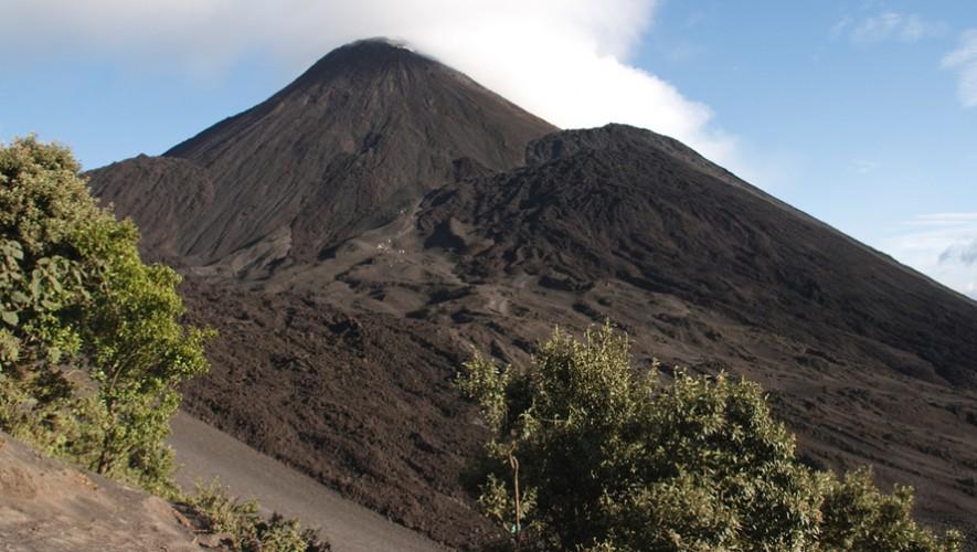 Pintemos de azul y blanco el Volcán Pacaya: Una forma distinta de celebrar el 15 de Septiembre