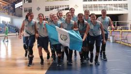 El equipo femenino de básquetbol aportó con una de las 45 medallas de oro que logró Guatemala durante estos Juegos Escolares. (Foto: DIGEF)