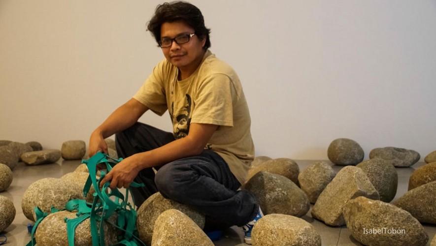 Chavajay es reconocido en Guatemala por sus diferentes exposiciones individuales. (Foto: Isabel Tobón)