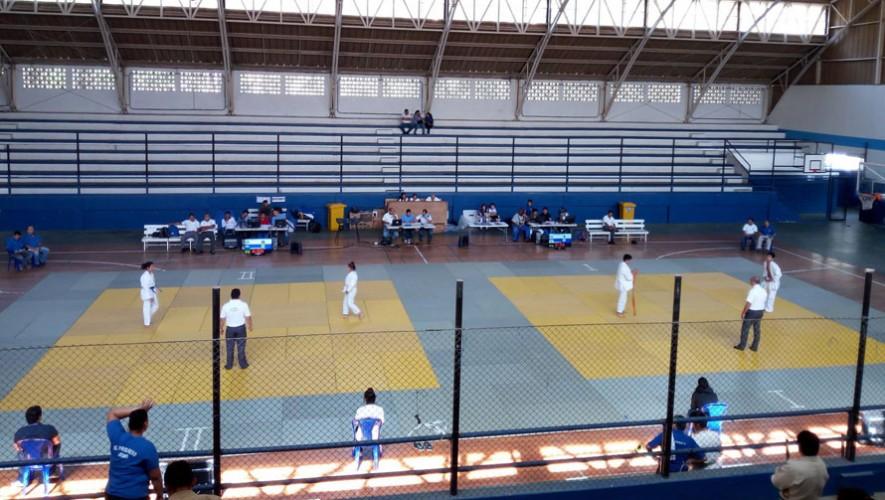Andrea Solís y Marcos Méndez se quedaron con el premio a las mejores técnicas de la Copa. (Foto: Federación Nacional de Judo)