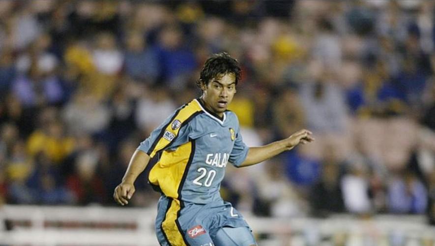 Ruiz se dio a conocer a nivel internacional con el LA Galaxy, equipo con el que jugó en dos ocasiones. (Foto: Adam Pretty)