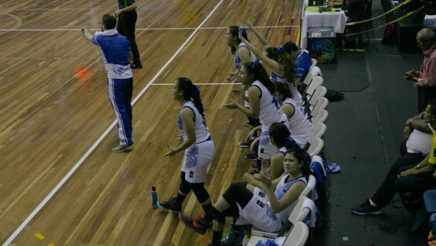 Las guatemaltecas celebraron con garra su primera victoria. (Foto: FNBG)
