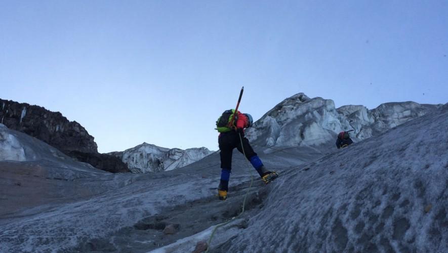 Pami estuvo también en el Iliniza Sur con 5,215 metros de altura sobre el nivel del mar. (Foto: Cortesía de Pami Mendizabal)
