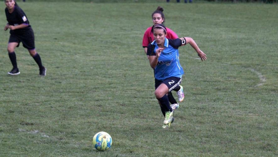 Unifut-Rosal sigue con su paso demoledor en la liga, tras ganar 7-1 al cuadro de MuniGuate. (Foto: Luisa León)