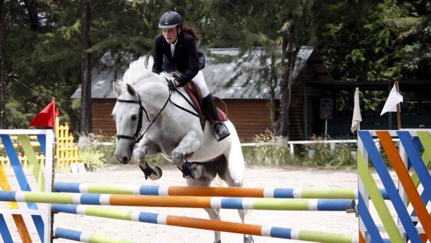 Arianne Jensen en Belina se quedaron con el segundo lugar del Campeonato. (Foto: ANEG)