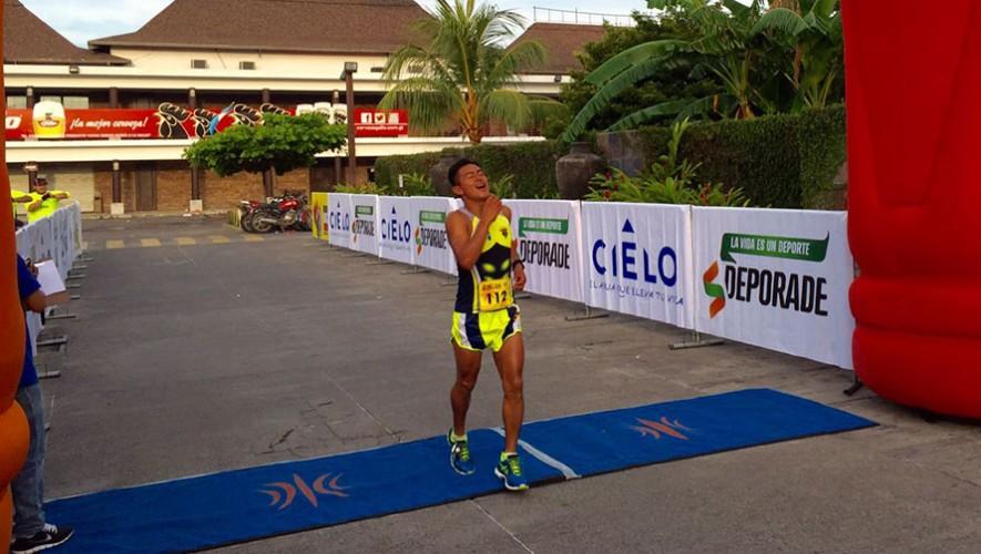 Herman Orosco fue uno de los grandes ganadores que tuvo la carrera, con un tiempo de 3 horas y 33 minutos.  (Foto: DM Comunicación)