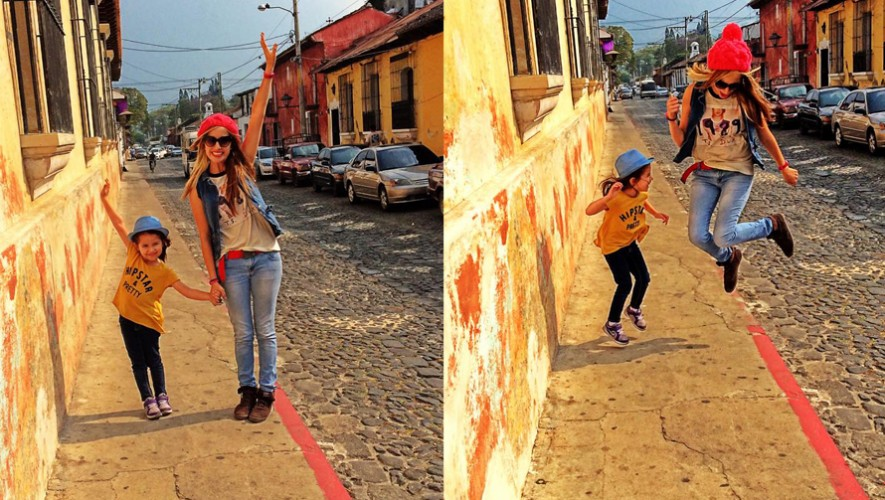Jeny Alem junto a su hija Taylor en Antigua Guatemala. (Foto: Jeny Alem)