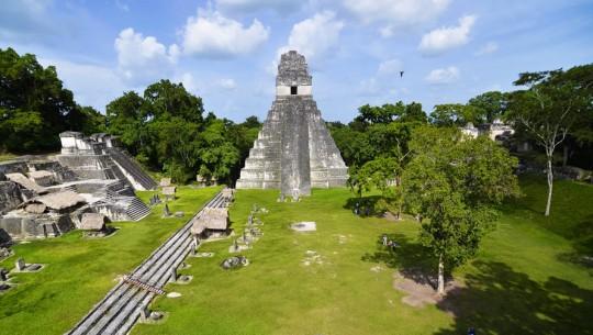 Increíble fotografía de Tikal por el guatemalteco Rony Rodríguez. (Foto: Rony Rodríguez)
