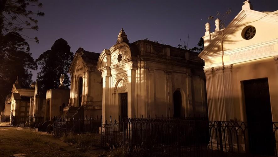 Tour Fotográfico nocturno en el Cementerio de Antigua Guatemala   Octubre 2016