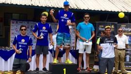 Pontaza fue el único extranjero en subir al podio en el Campeonato Nacional de Triatlón en Costa Rica. (Foto: Federación Nacional de Triatlón Guatemala)