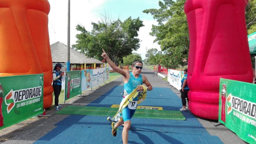 3 de los mejores triatletas de Guatemala dirán presentes en la competencia que se realizará en Venezuela. (Foto: Federación Nacional de Triatlón Guatemala)