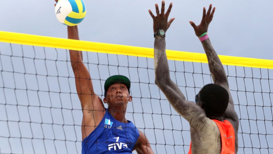 Andy Leonardo será uno de los representantes de Guatemala en la tercera edición de las justas bolivarianos de playa. (Foto: Norceca)