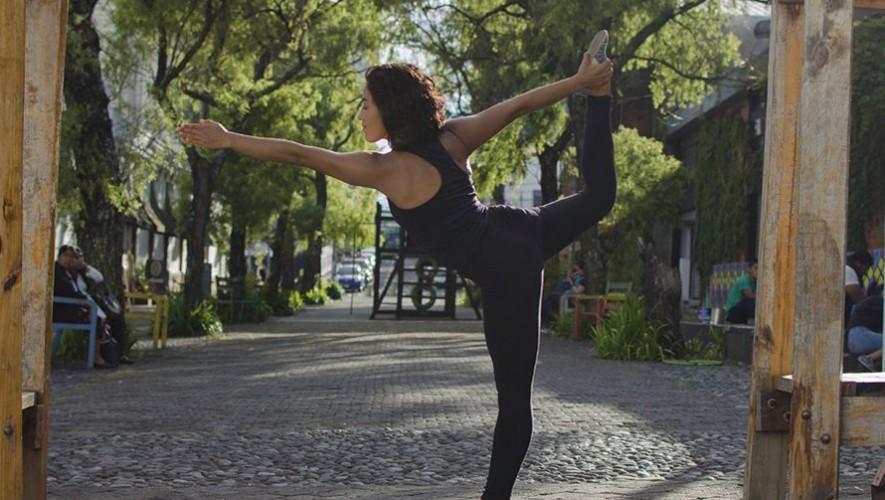 Clase de Yoga al aire libre en zona 4 | Octubre 2016