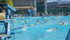 La piscina olímpica de Zacapa recibió a los mejores nadadores juveniles del país. (Foto: GreyBade-Fotografía)
