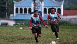 Normalmente el equipo de Xejuyup es invitado a jugar partido amistosos para diferentes eventos como Fiestas Patronales. (Foto: EFE)