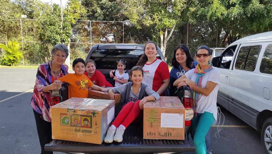Este proyecto busca brindar felicidad a familias de escasos recursos en la época de Navidad. (Foto: Caja del Amor Guate)