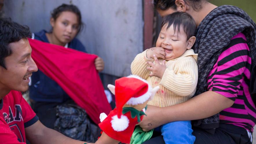 Haz feliz a un niño de escasos recursos donando juguetes nuevos o en buen estado. (Foto: Juguetweet)
