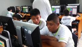 Los niños de la Escuela Socio Deportiva de zona 6 formaron parte de la iniciativa global #YoPuedoProgramar. (Foto: Fundación Carlos F. Novella)