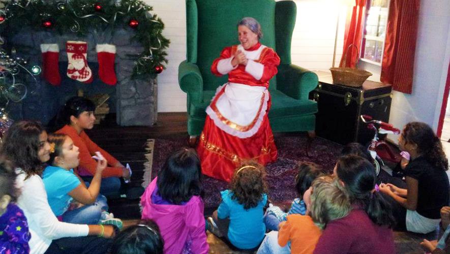Cuentacuentos, luces, talleres y música navideña para niños en diferentes puntos de la ciudad. (Foto: Oakland Mall)