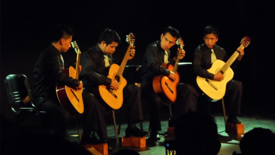 Concierto de la Orquesta de Guitarras de San Juan Sacatepéquez | Noviembre 2016