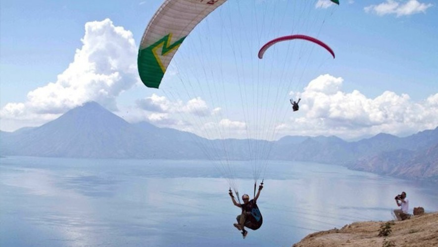 Vuelo en parapente en el Lago de Atitlán   Diciembre 2016