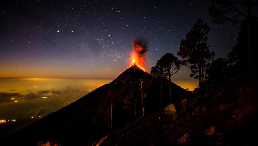 Así de impresionante será la vista desde la cumbre del volcán Acatenango en Chimaltenango. (Foto: Scott M. Salt Photography)