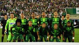 Los equipos guatemaltecos enviaron diferentes mensajes de apoyo al club brasileño. (Foto: Nelson Almeida)