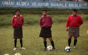 equipo-de-futbol-usa-traje-tipico-aldea-xejuyup-nahuala-guatemala-13