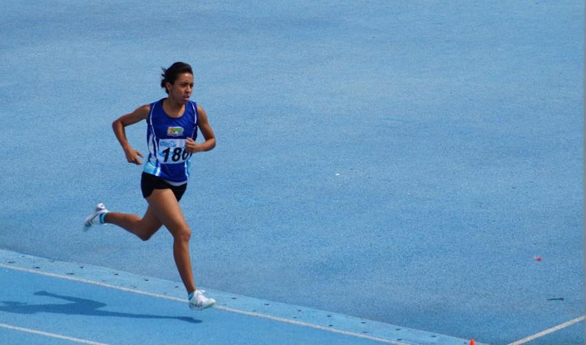 Luego de su hazaña en el Campeonato Centroamericano, Evelyn se adjudicó otro reconocimiento, pero en la universidad con la que compite. (Foto: FNA)