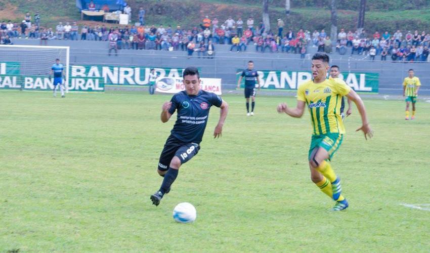 Partido de Guastatoya vs Carchá, por el Torneo Apertura   Noviembre 2016