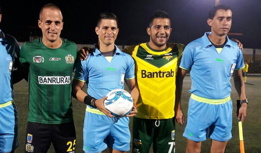 Partido de Guastatoya vs Petapa, por el Torneo Apertura | Noviembre 2016